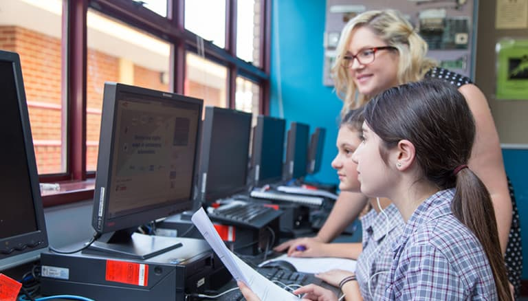 Oakleigh Grammar student in Technology for Learning